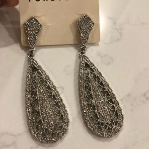 Crystal like chandelier earrings